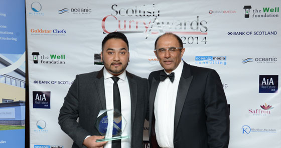 Habibur Khan accepting the award on behalf of his father